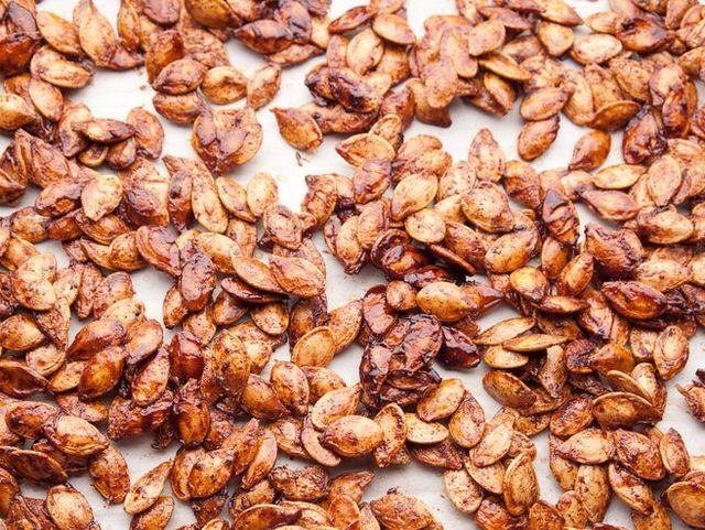 roasted maple spice pumpkin seeds