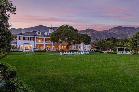 vista exterior y general de  la mansión de rob lowe en montecito, california, que acaba de vender por 38 millones de euros