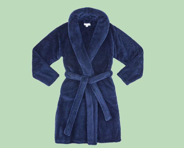 gravity blanket creates a bathrobe