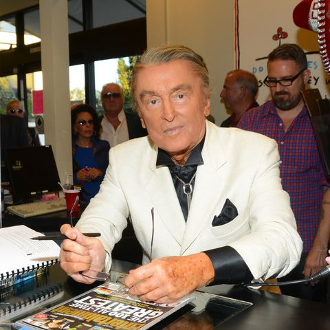 """Robert Evans Book Signing For """"The Kid Stays In The Picture"""""""
