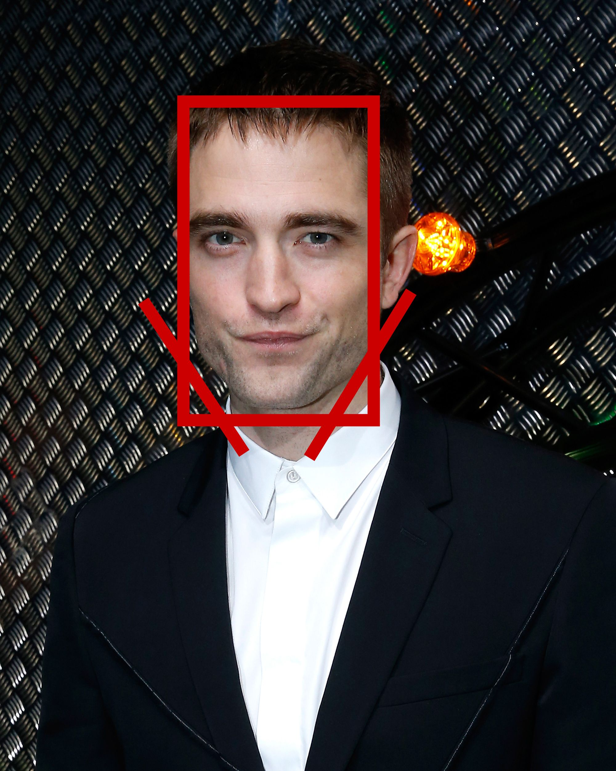 Robert Pattinson, elongated face man, long face, long face man, Robert Pattinson elongated face