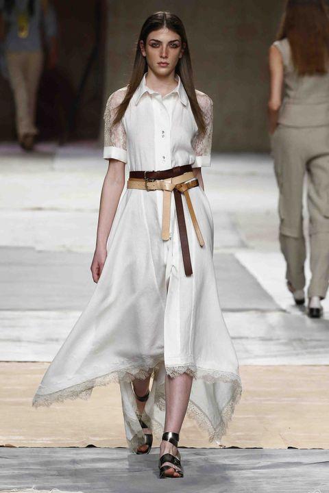 Fashion model, Fashion show, Runway, Fashion, White, Clothing, Street fashion, Shoulder, Waist, Public event,