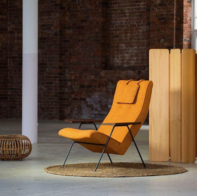 robin day's reclining chair, reissued by twentytwentyone