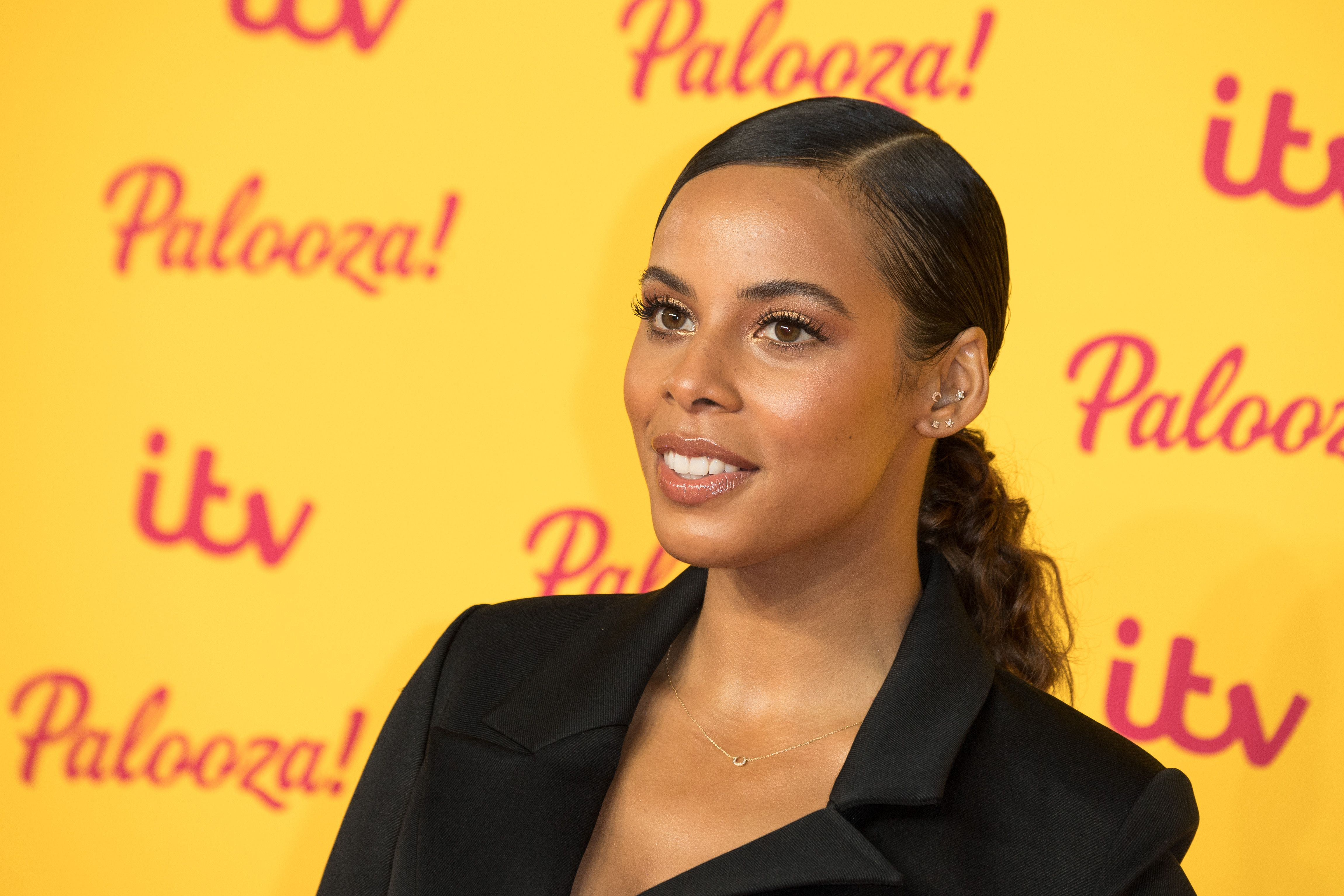 Rochelle Humes' brown leather skirt is the perfect buy for your autumn wardrobe