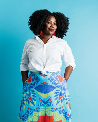 rochelle porter wearing colorful print skirt