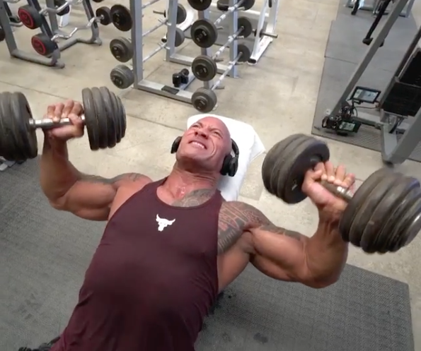 Dwayne The Rock Johnson S Chest Workout Shows Off Smart Tempo