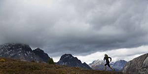 atleta, noruega, muere, alcanzada, rayo, ultramaraton, italia