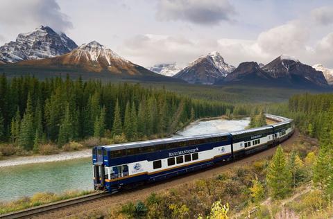 Mountainous landforms, Transport, Mountain, Nature, Mountain range, Train, Vehicle, Mode of transport, Highland, Railway,
