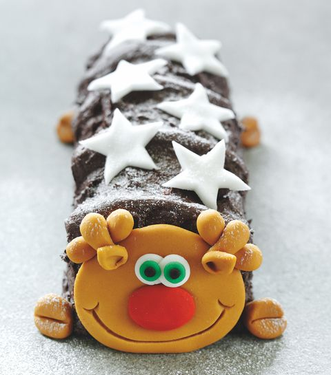 Asda's Roddy The Reindeer Cake Is Here To Give Colin The Caterpillar A Run For His Money