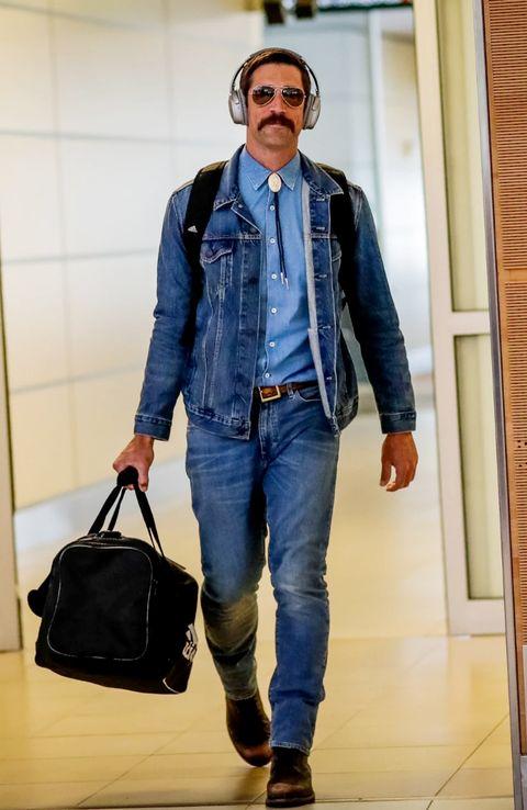 Denim, Jeans, Clothing, Blue, Street fashion, Fashion, Textile, Standing, Outerwear, Jacket,