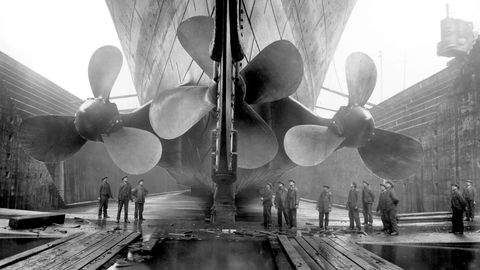 Propeller, Propeller, Monochrome, Architecture, Ceiling, Monochrome photography, Black-and-white, Mechanical fan, Metal, Style,