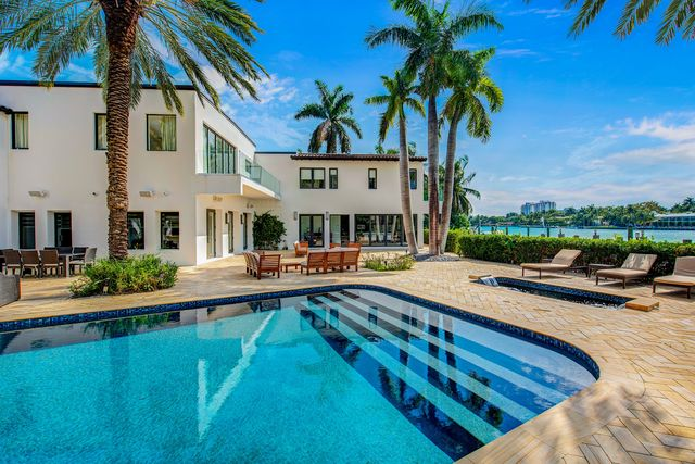 the miami mansion that jennifer lopez and ben affleck rented
