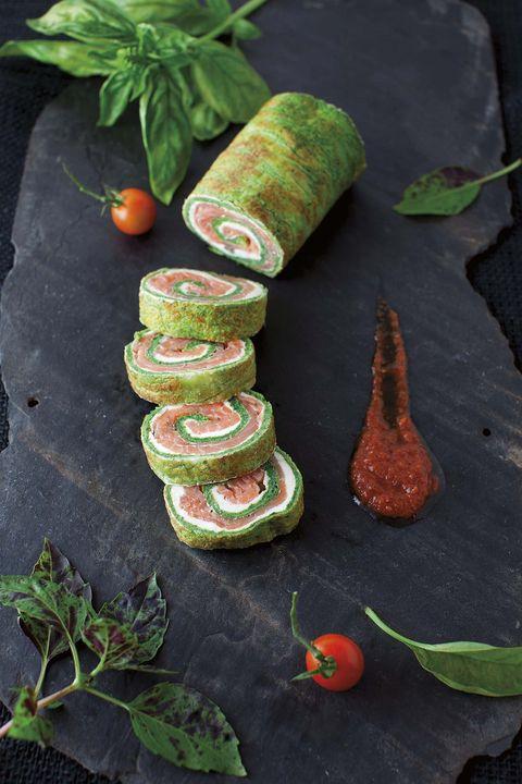 rollitos de espinacas con salmón ahumado
