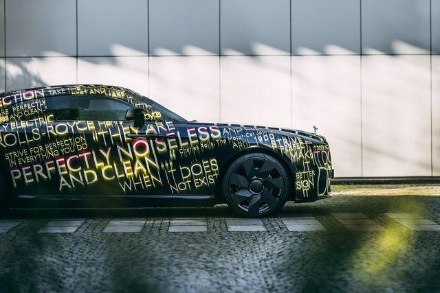 rolls royce electric car spectre 2023