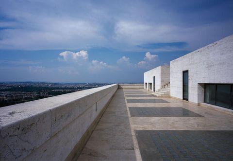 Blue, Daytime, Cloud, Horizon, Concrete, Azure, Grey, Parallel, Cumulus, Composite material,