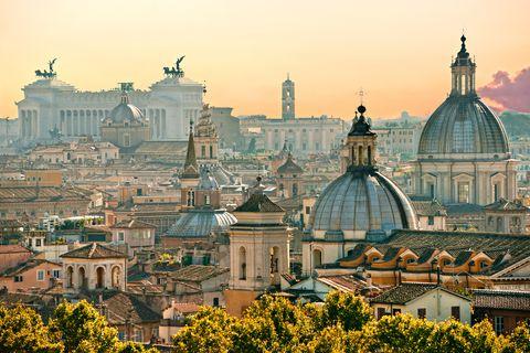 Landmark, Dome, City, Urban area, Cityscape, Sky, Metropolitan area, Metropolis, Roof, Architecture,