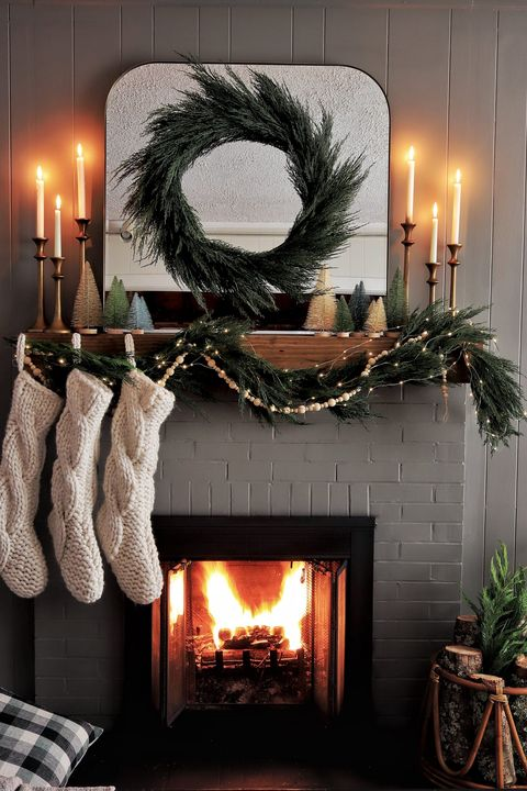 romantic christmas mantel decor