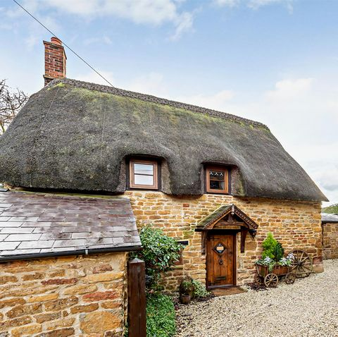 zoopla reveals the most romantic chocolate box cottages for sale this valentine's day