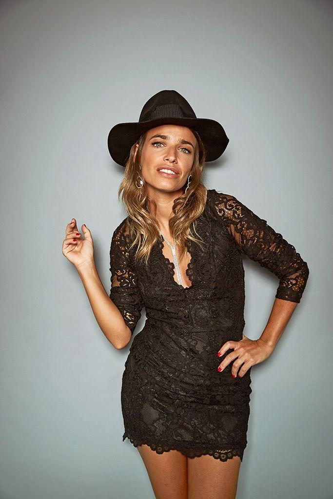 Flora González con look romántico de la colección de fiesta de H&M.