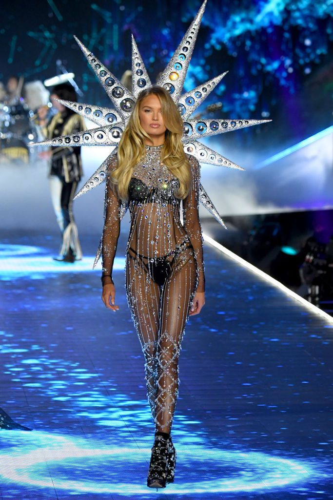 All Victoria S Secret Fashion Show 2018 Models Looks From The Runway