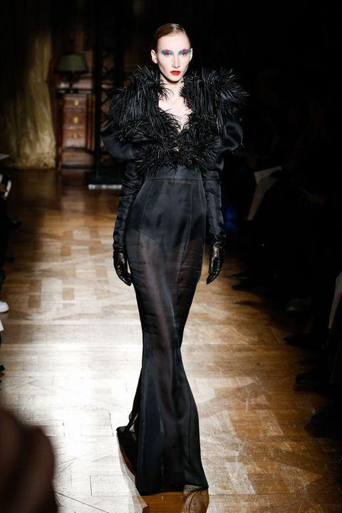 ronald-van-der-kemp-coutureweek-ss20-parijs