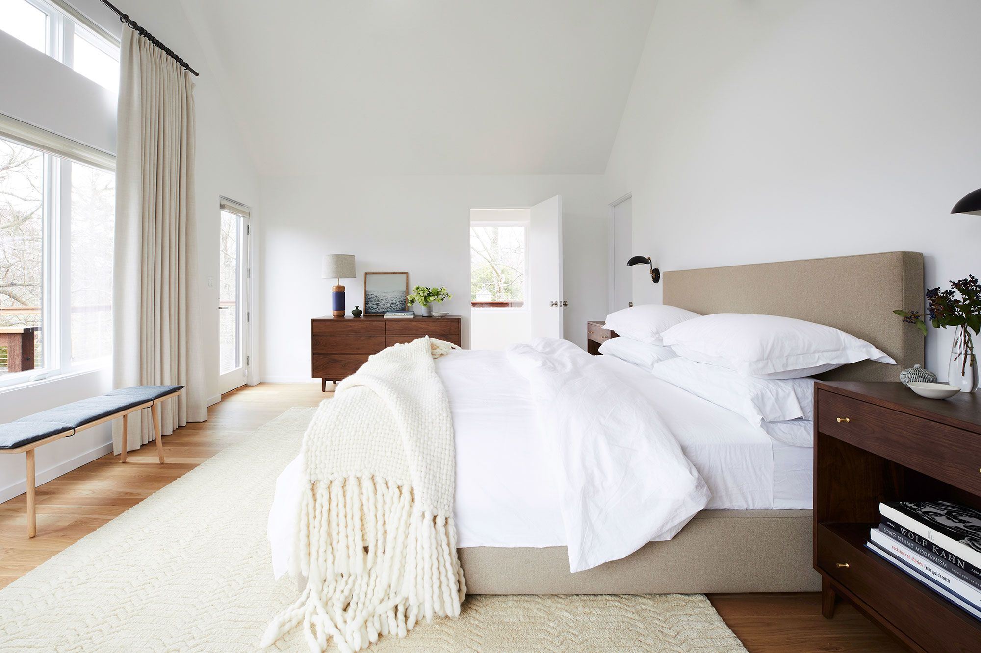 20 cozy bedroom ideas how to make your bedroom feel cozy rh housebeautiful com Making a Cozy Room how to make your bedroom feel cozy