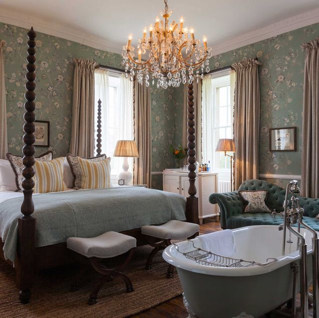 Babington House bed