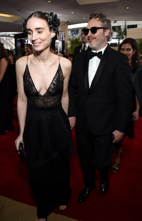 moët and chandon at the 77th annual golden globe awards   red carpet