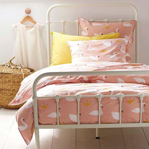 Ropa de cama: funda nórdica rosa con cisnes