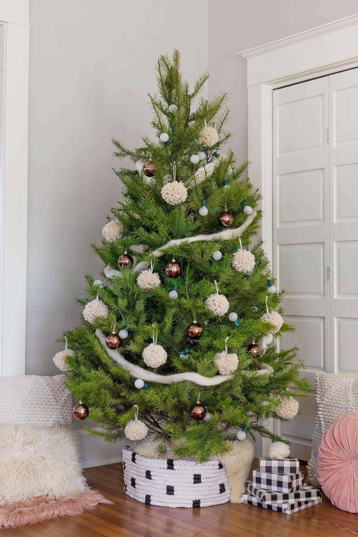 Rope Tree Collar   Christmas Decoration Ideas