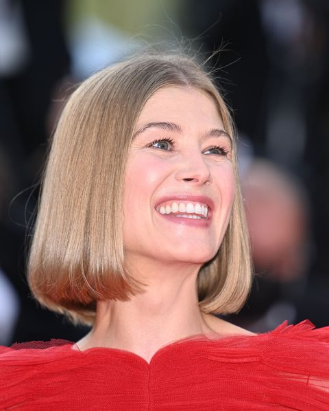 cannes, france   july 17 british actress rosamund pike arrives for the screening of the film oss 117  alerte rouge en afrique noire oss 117  from africa with love and the closing ceremony of the 74th annual cannes film festival in cannes, france on july 17, 2021 photo by mustafa yalcinanadolu agency via getty images