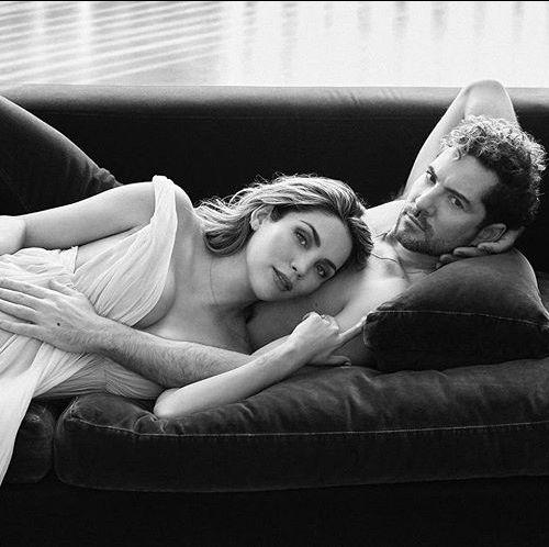 Photograph, White, Black, Black-and-white, Beauty, Monochrome, Monochrome photography, Photography, Comfort, Furniture,