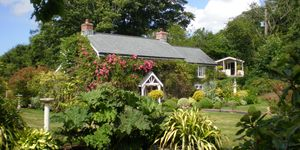 Rose Cottage - front - Cornwall - Humberts