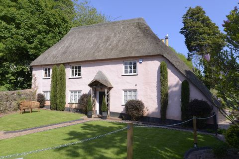 Fabulous Rose Cottage For Sale In Torquay Cockington Village Home Interior And Landscaping Eliaenasavecom