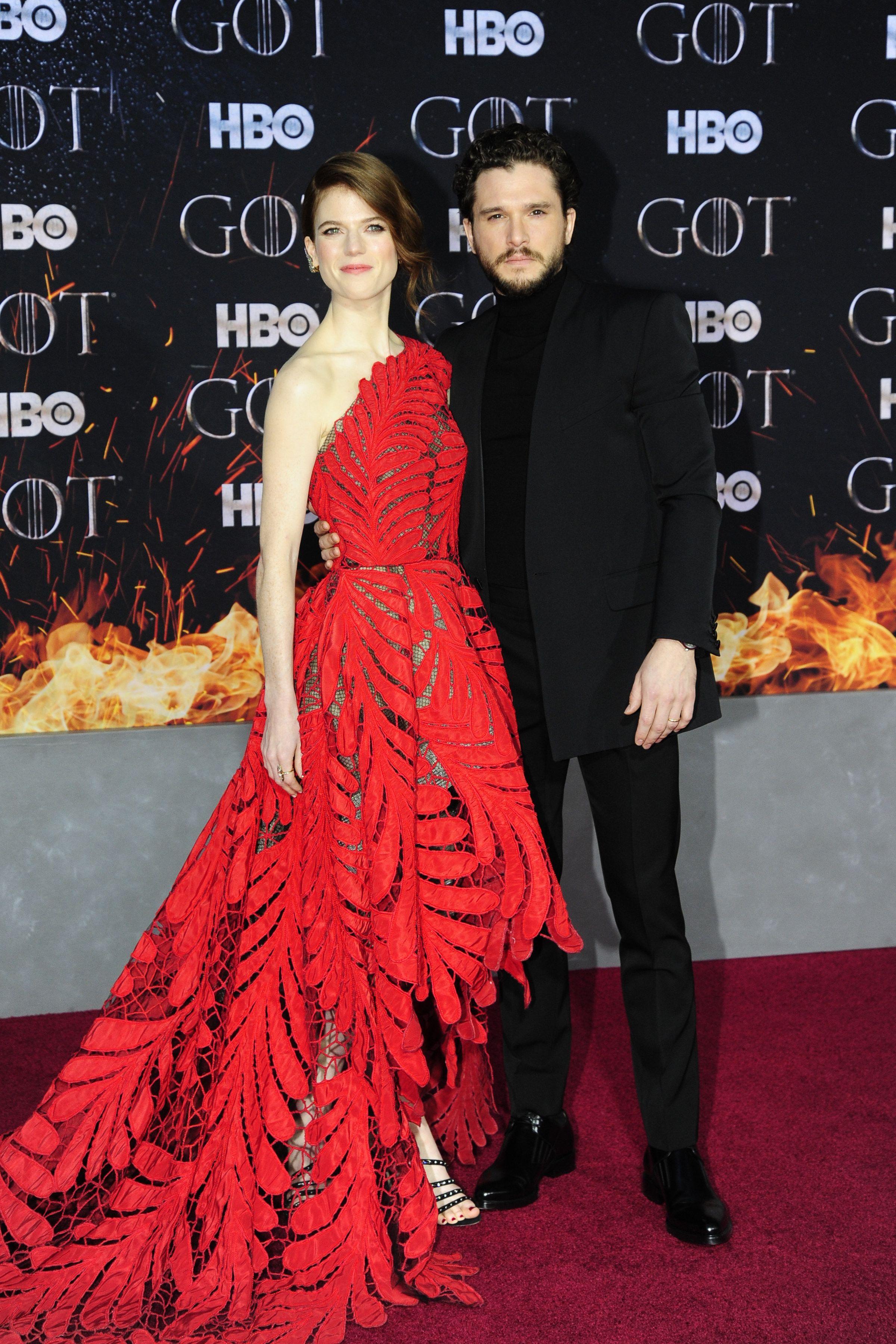 Kit Harington (Jon Snow) and Rose Leslie (Ygritte