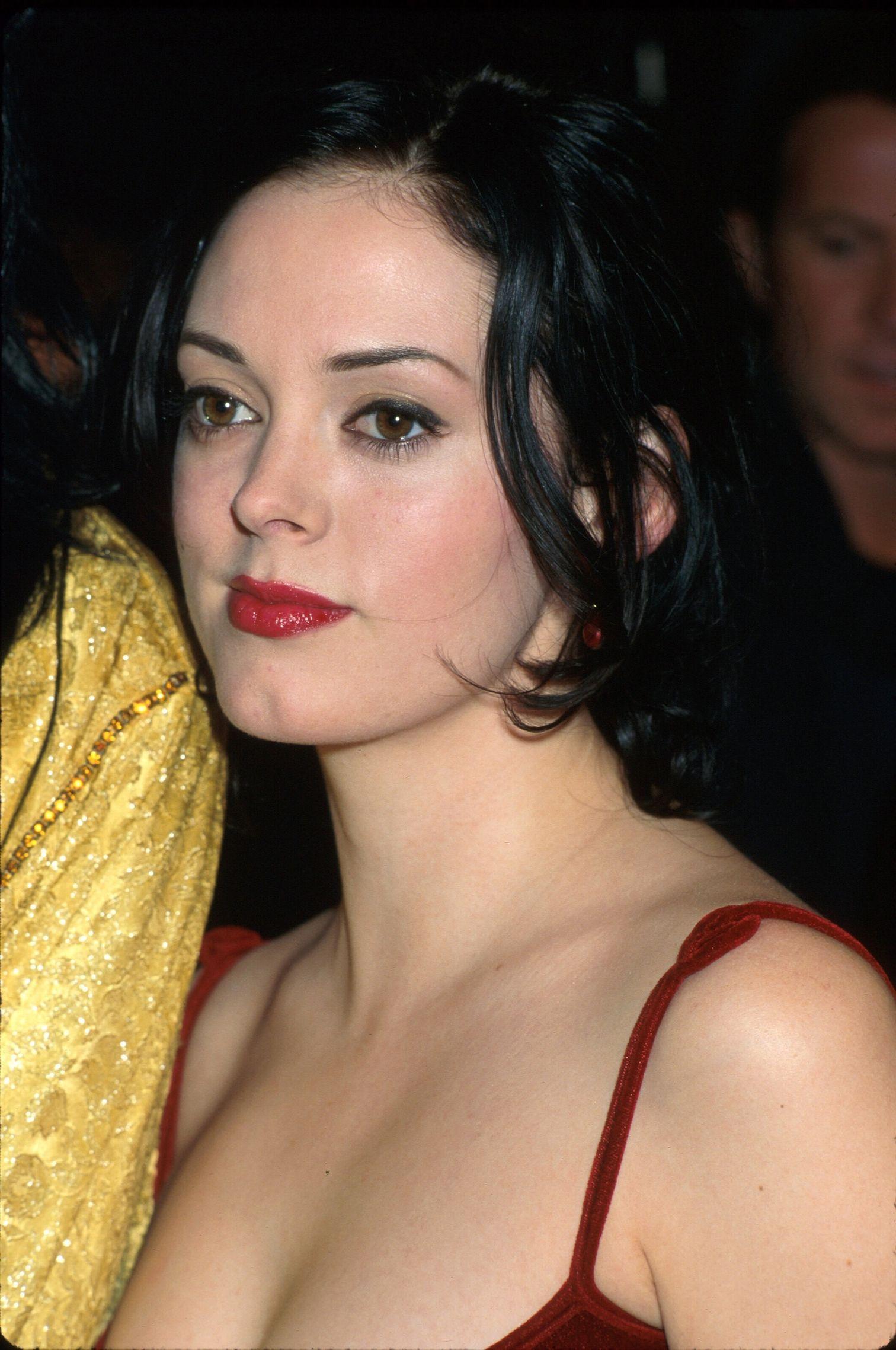Rose McGowan, 1997
