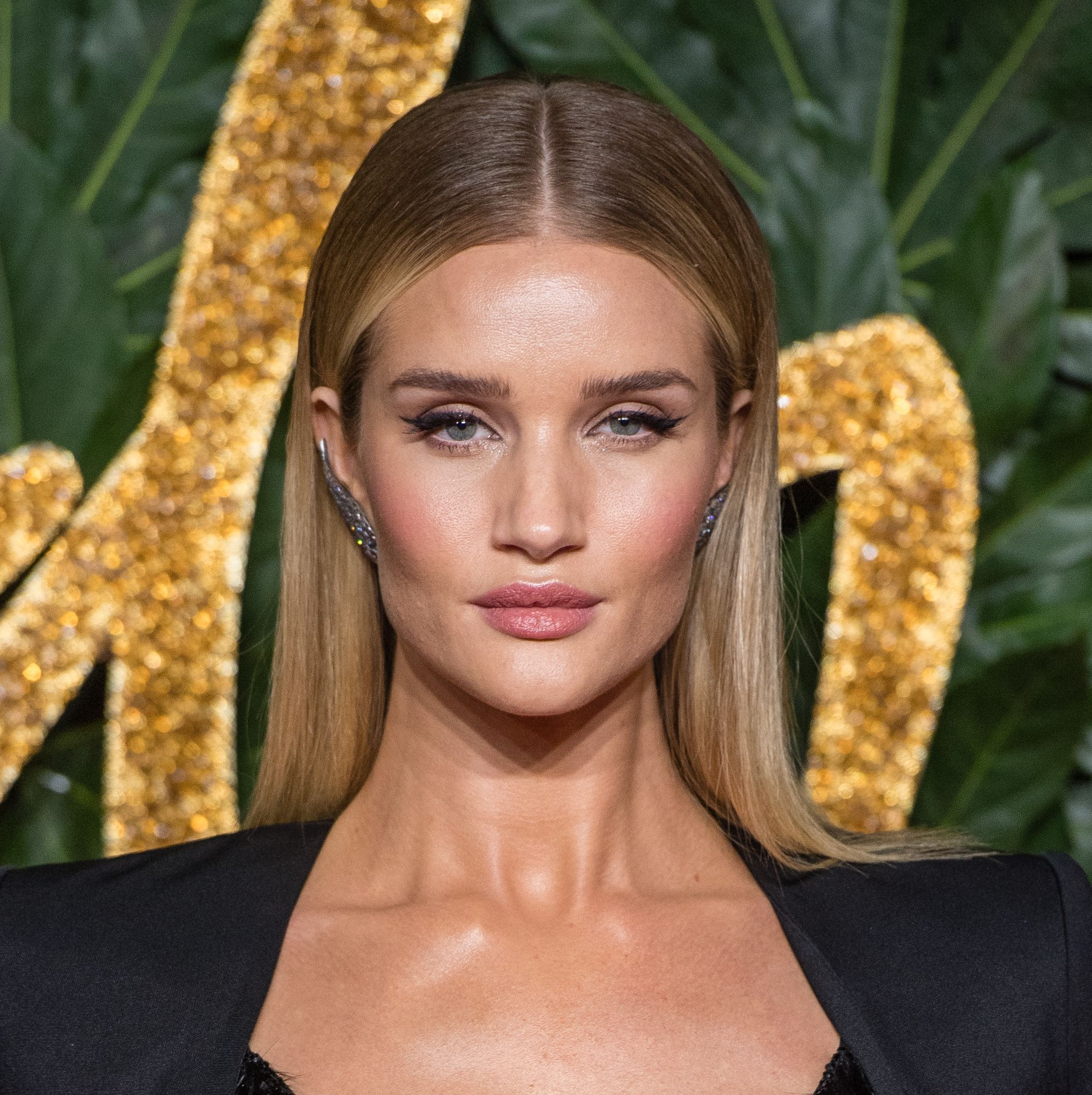 Rosie Huntington-Whiteley Cut Out These Foods In A Bid To Get Rid Of Her Acne