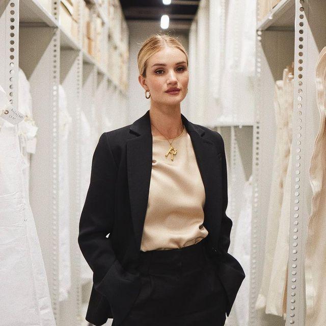 White, Clothing, Fashion, Outerwear, Blazer, Suit, Formal wear, Fashion design, Dress, Jacket,