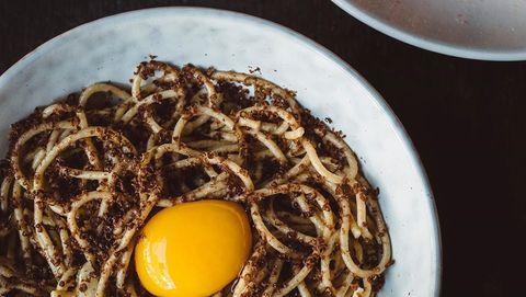 Spaghetti met tonijnhart.Restaurant LUX