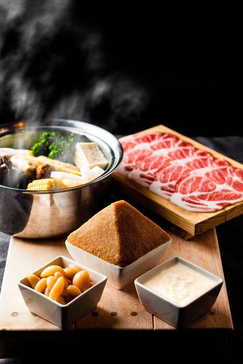 Dish, Food, Cuisine, Ingredient, Meal, Comfort food, Shabu-shabu, Brunch, Recipe, Produce,