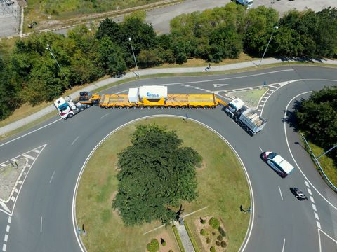Road, Intersection, Junction, Thoroughfare, Street, Asphalt, Lane, Infrastructure, Aerial photography, Bird's-eye view,