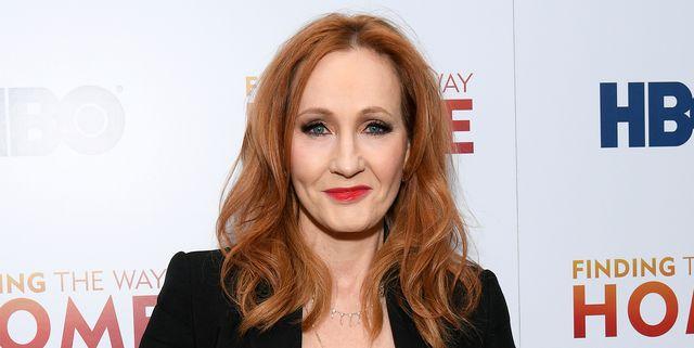 J.K. Rowling Drops Licensing Fee So Teachers Can Read Harry Potter Books in Videos