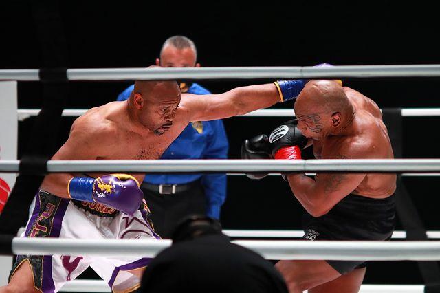 mike tyson vuelve a boxear contra roy jones jr