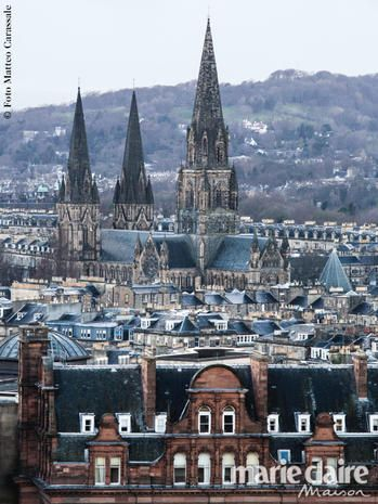 Landmark, Spire, Architecture, Medieval architecture, Building, City, Gothic architecture, Steeple, Human settlement, Metropolitan area,