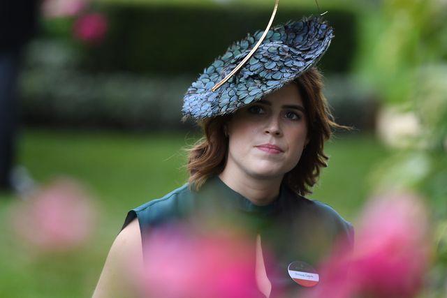 royal family news niente titoli reali per il figlio della principessa eugenia