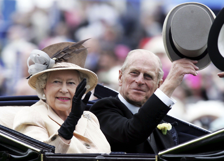 Foto Natale Famiglia Reale Inglese 1990.Royal Family News La Regina Elisabetta Fara Il Vaccino Covid 19