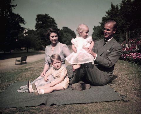 royal family picnicking at balmoral