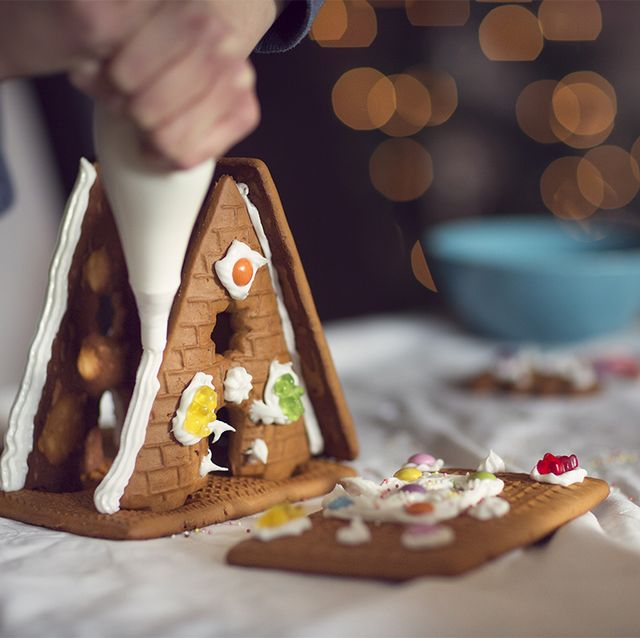 the queen's royal pastry chefs share gingerbread house recipe