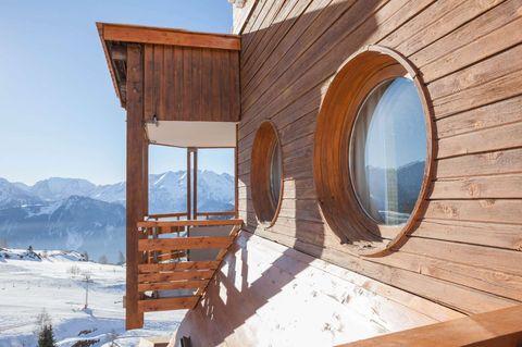 Alpe d'Huez cheap ski holidays