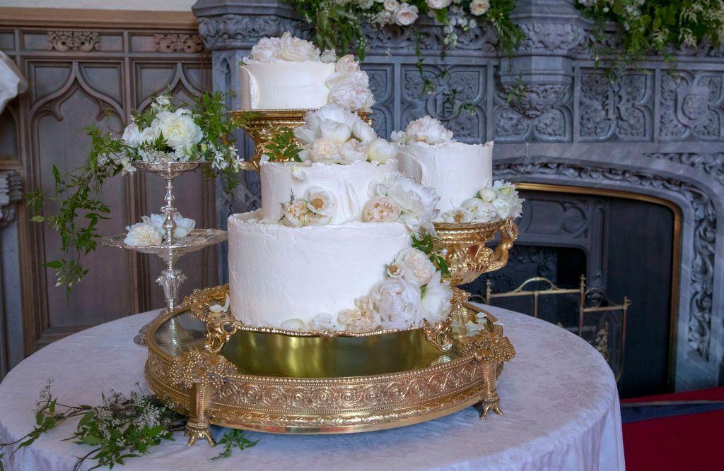 Rough Icing Wedding Cake Trend